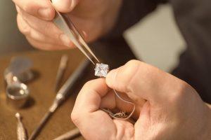 Czym właściwie jest biżuteria?